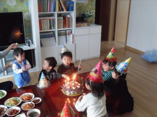 윤혁이와 윤일이의 5번째 생일이었답니다...